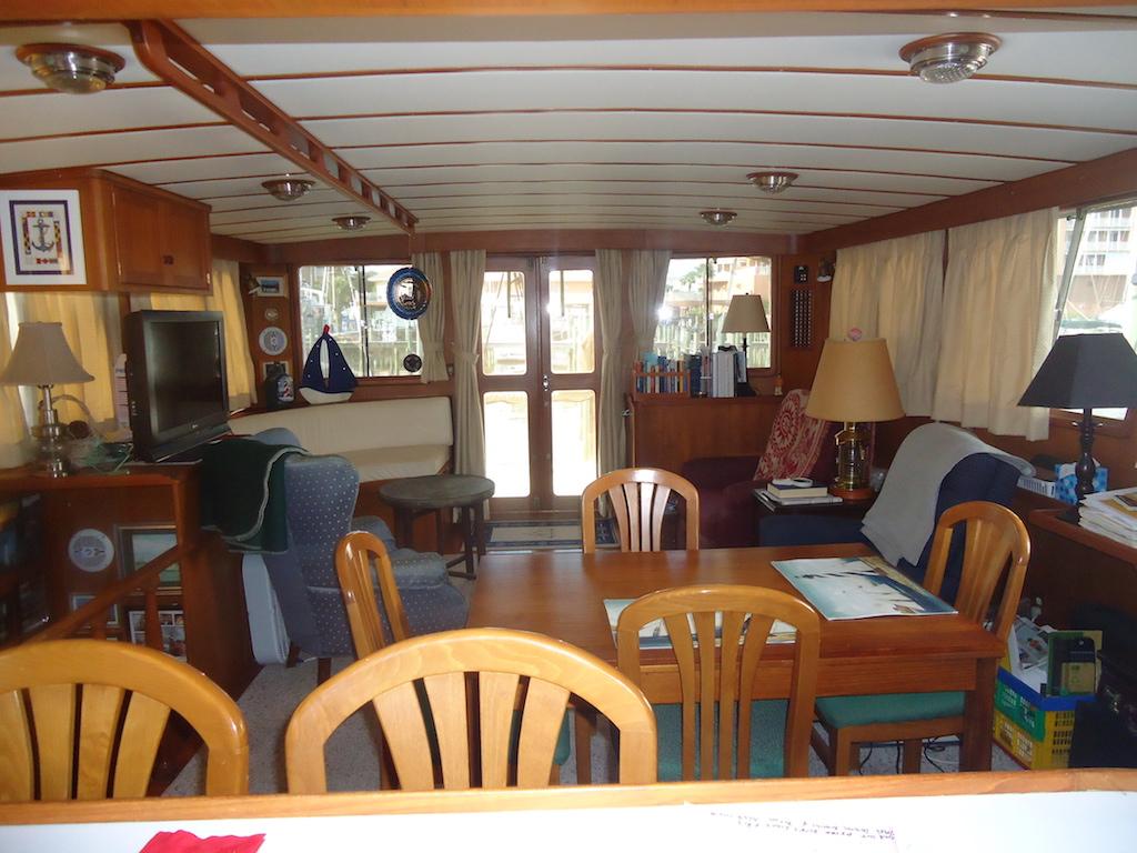 allez boat interior